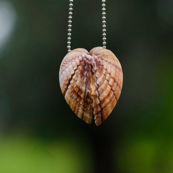 Аромакулон - Оберег с феромонами и древесно-пряным ароматом