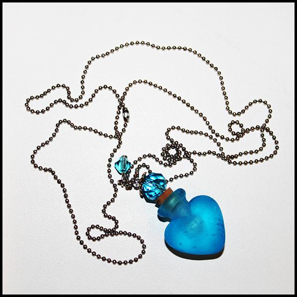 Кулон-флакон для духов и эфирных масел Handmade Murano Lampwork «Ледяное сердце»